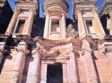Post thumbnail of Petra: la ciudad rosada del desierto