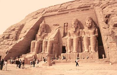 Post thumbnail of Ramsés II: la obsesión monumental por uno mismo