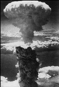 Post Thumbnail of Las bombas de Hiroshima y Nagasaki siguen explotando y la víctima eres tú (Parte 1)