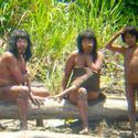 Post Thumbnail of Una tribu indígena que sale de su aislamiento causa revuelo en Perú