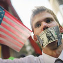 "Post thumbnail of Crecen los indignados contra la ""avaricia"" de Wall Street"