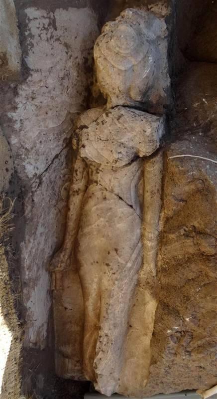 rare-statue-princess-iset