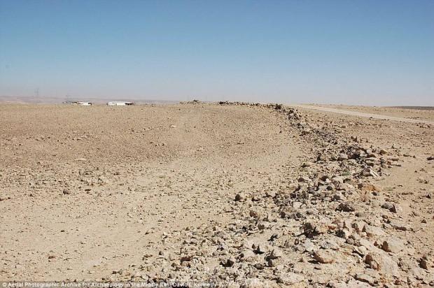 Foto desde tierra de las piedras utilizadas para construir el círculo J2.