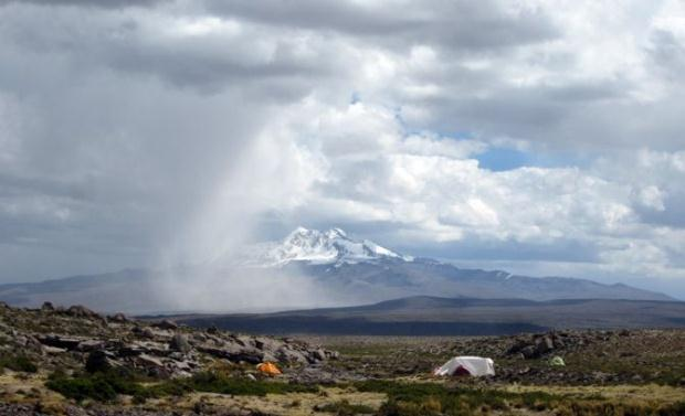 Campamento base en Pucuncho. Matthew Koehler.