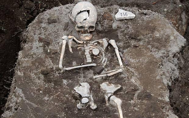 Desentierran los restos de un �vampiro� en Bulgaria