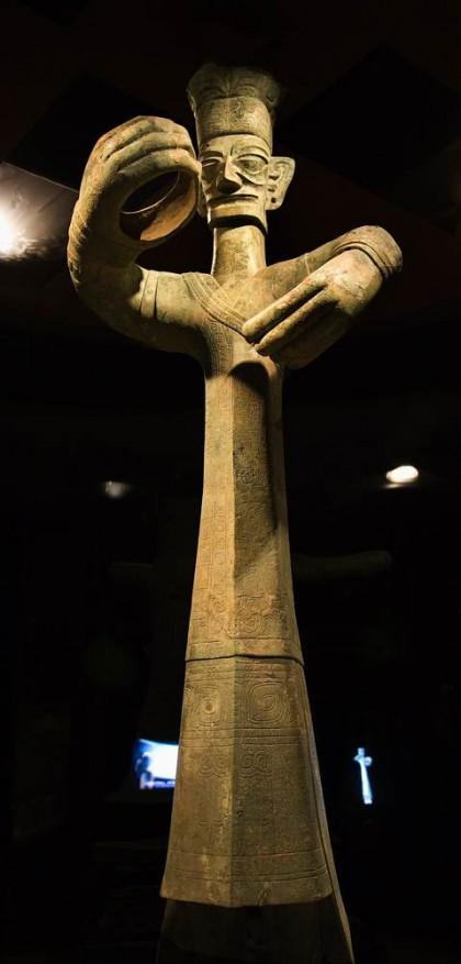 Gran estatua humanoide Sanxingdui.