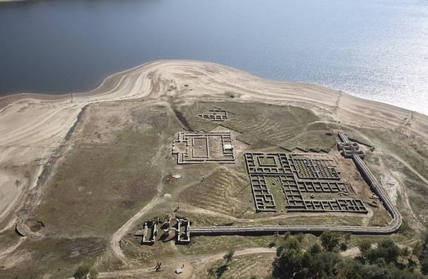 Baños Romanos De Bande:El sistema de fortificaciones ayudó a los romanos a defenderse de los