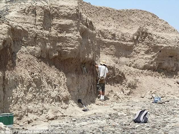 Chris Lepre (foto) dató los artefactos al analizar las capas circundantes en busca de inversiones en el campo magnético de la Tierra.
