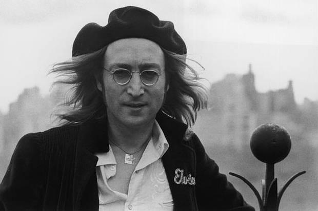 «Si las masas comenzaran a aceptar la existencia de los OVNIs, esto afectaría profundamente en su actitud hacia la vida, política, y todo. Amenazaría el statu quo. Siempre que la gente se da cuenta de que hay consideraciones mayores que sus propias vidas insignificantes, están listos para realizar cambios radicales a nivel personal, lo cual eventualmente conduce a una revolución política en la sociedad en su totalidad».  John Lennon.