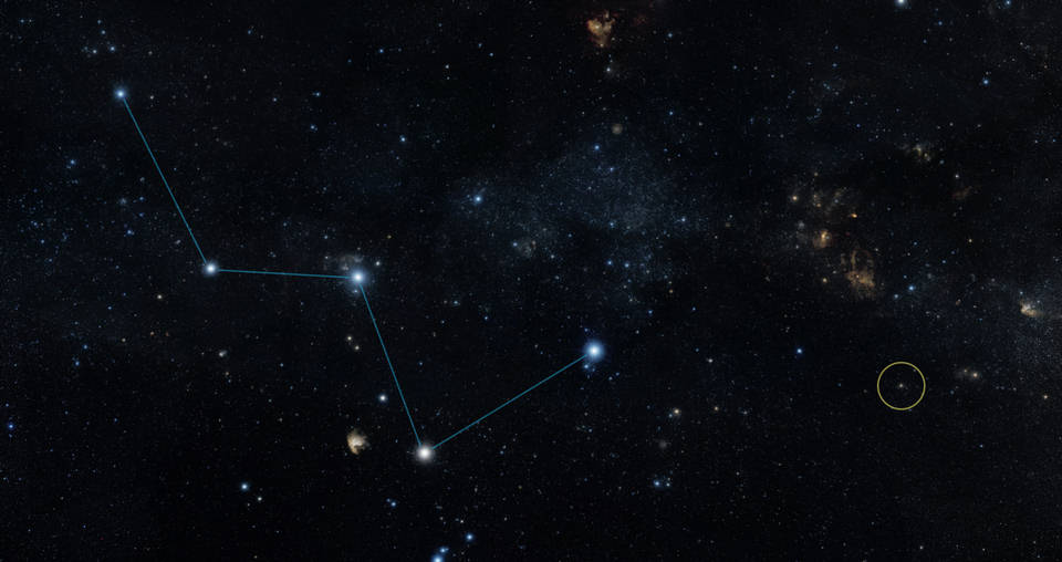 Este mapa del cielo muestra la ubicación de la estrella HD 219134 (círculo), la cual alberga el exoplaneta rocoso más cercano confirmado hasta el momento. La estrella se localiza a un lado de la 'W' que forma la constelación de Casiopea, fácilmente visible a ojo desnudo en el firmamento nocturno.
