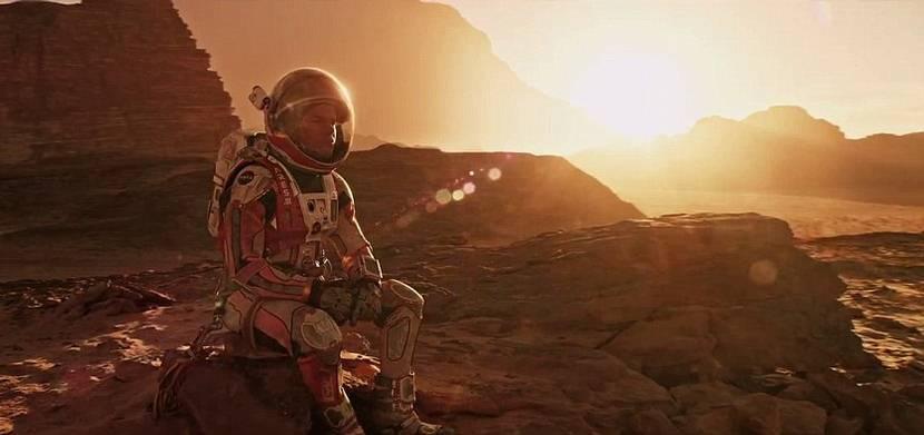 En octubre llegará a los cines 'The Martian', una película protagonizada por Matt Damon, que adapta a la gran pantalla la epopeya de unos astronautas en Marte escrita por Andrew Weir.
