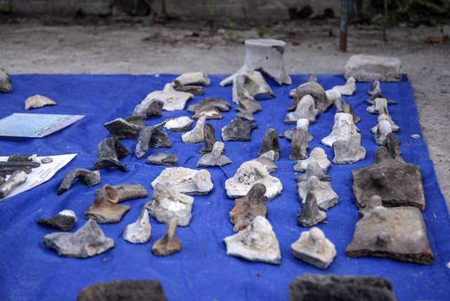 Docenas de artefactos fueron extraídos de las profundidades del lago. Foto: Dmitry Gorn.