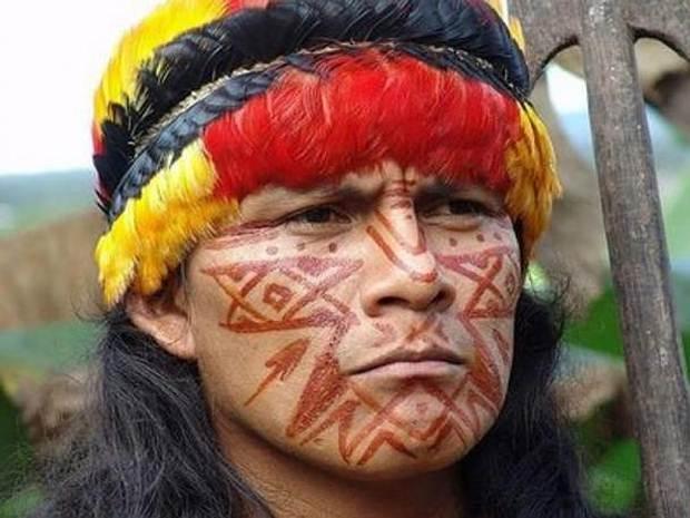 Hombre perteneciente a los shuar, llamados despectivamente 'jíbaros' en la época de la conquista.