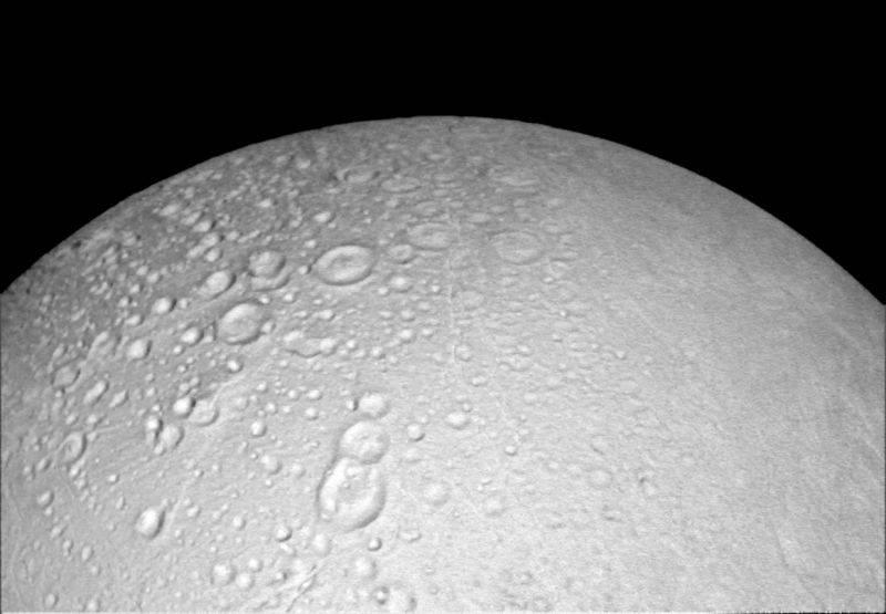 encelado-cassini-oct2015-1