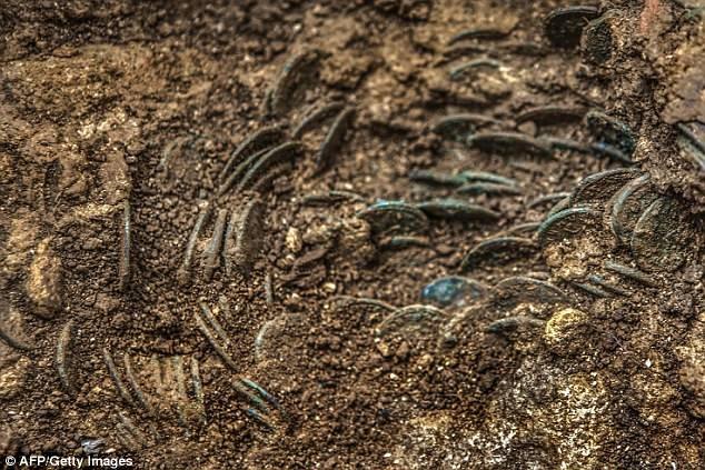 Las monedas están en tan buen estado que está claro que fueron retiradas de circulación justo después de ser acuñadas.