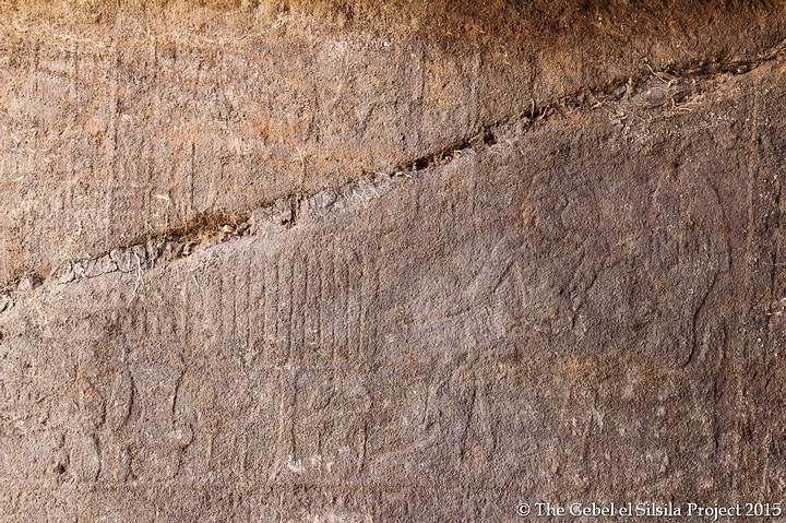 Relieve intacto que representa al propietario de la tumba y a su mujer.