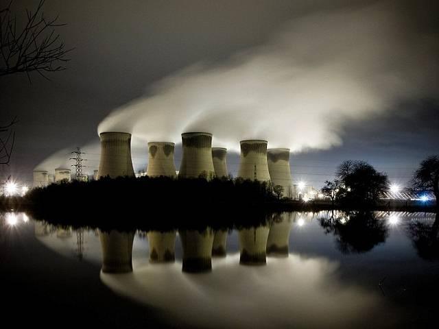 Debido a su gran tamaño, la central térmica de Drax es el mayor emisor de dióxido de carbono del Reino Unido. La AEMA valora los daños por contaminación producidos por esta central en 3.482 millones.