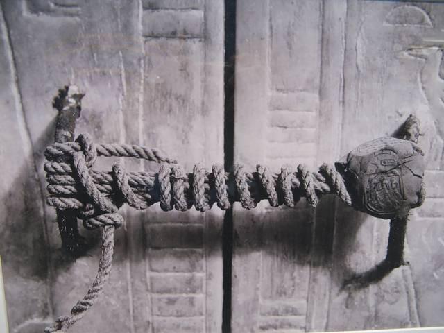Sello intacto de la tumba de Tutankamón, 1922.