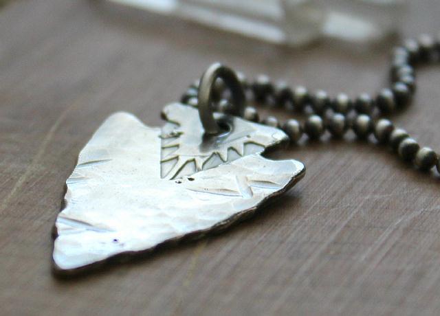 silverarrow-necklace