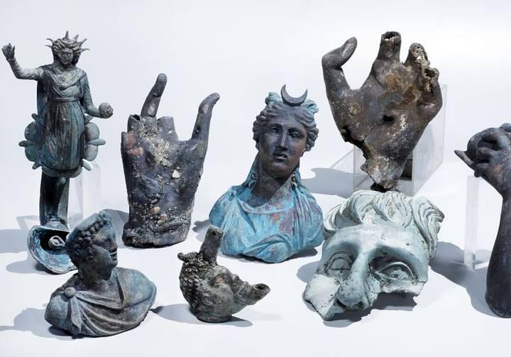 Parte de la colección de estatuas rescatada del naufragio.