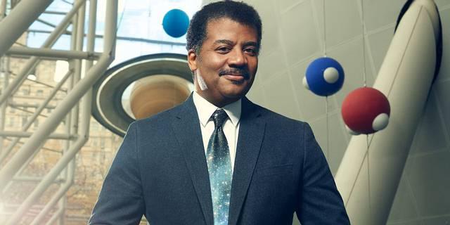 Neil deGrasse Tyson es un astrofísico, escritor y divulgador científico estadounidense.