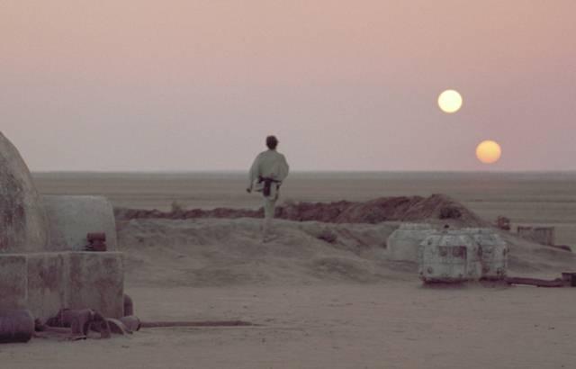 En la saga de 'Star Wars', el planeta Tatooine posee dos soles.