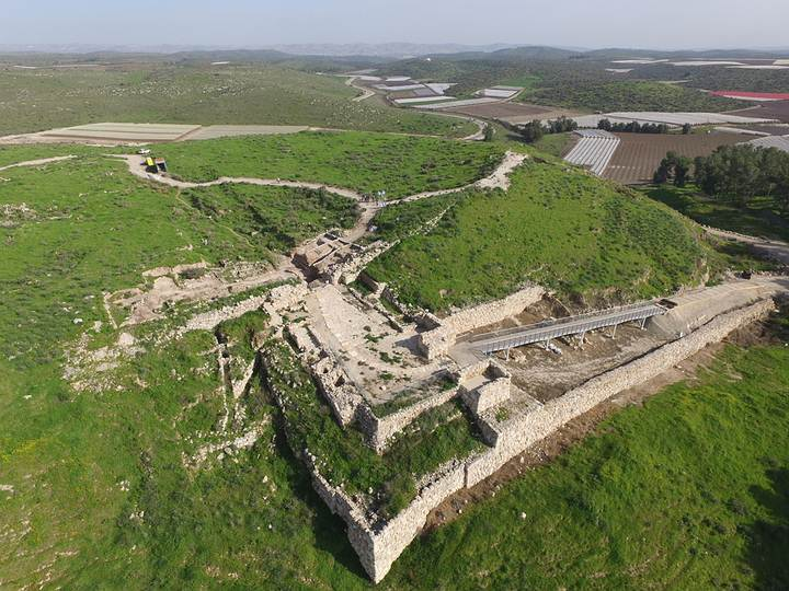 tel-lachish-gate-2