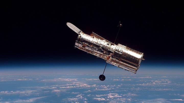 El telescopio Hubble fotografiado en 1997 tras una misión de servicio.