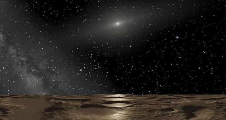Su tamaño es equivalente al del estado de Iowa, en EE.UU. y tiene 531,1 kilómetros de diámetro y se encuentra en una zona del Cinturón de Kuiper separado de la influencia gravitacional de Neptuno.
