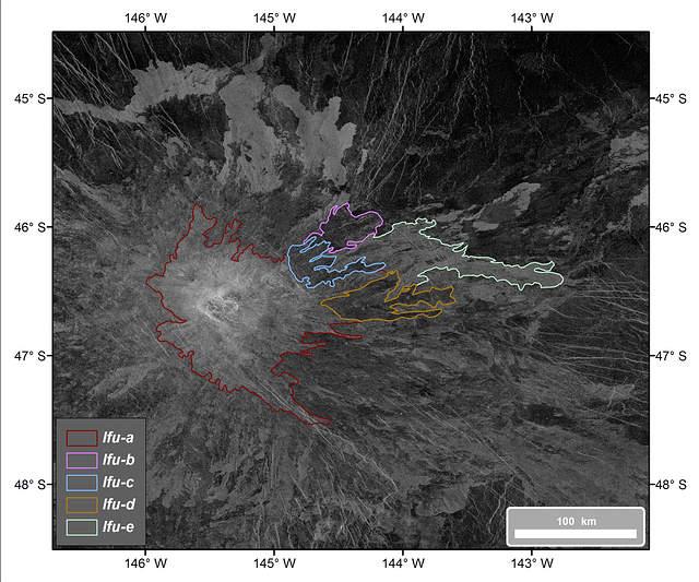 Mapa geológico del flanco este de Idunn Mons (46 S; 146 W). Se muestran los cinco flujos de lava (lfu) identificados durante el proceso de mapeado.