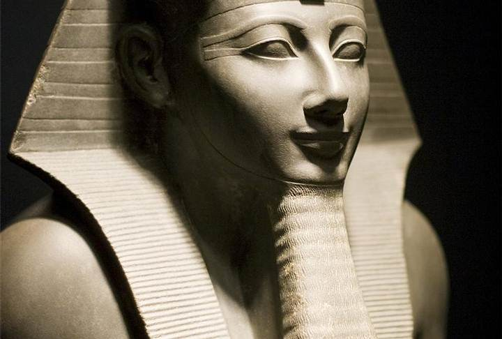 Tutmosis III, es el sexto faraón de la dinastía XVIII. En el transcurso de su reinado, el Imperio egipcio alcanzó su máxima extensión territorial.