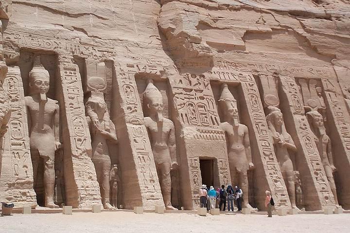 Templo de Nefertari, Abu Simbel, sur de Egipto.
