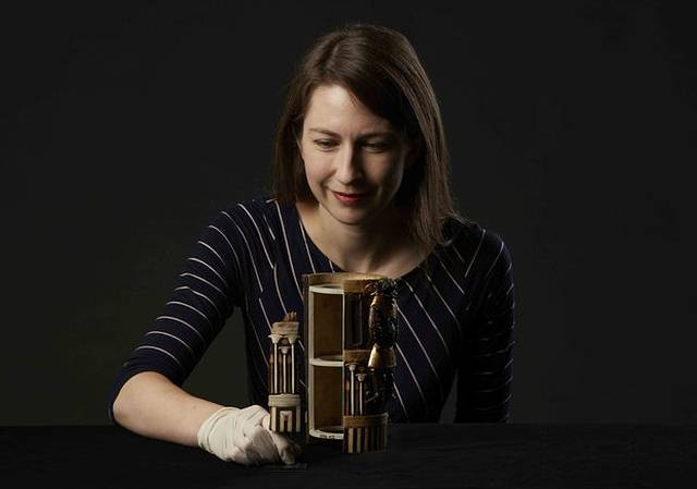 La Dra. Margaret Maitland (foto) ha descrito la caja restaurada como «una obra maestra de la artesanía egipcia».