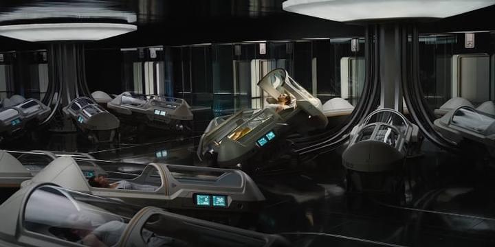 En la película 'Passengers', una nave espacial transporta 5,000 personas a un planeta distante. Durante los 120 años que dura el viaje, los pasajeros son puestos en cápsulas de hibernación.