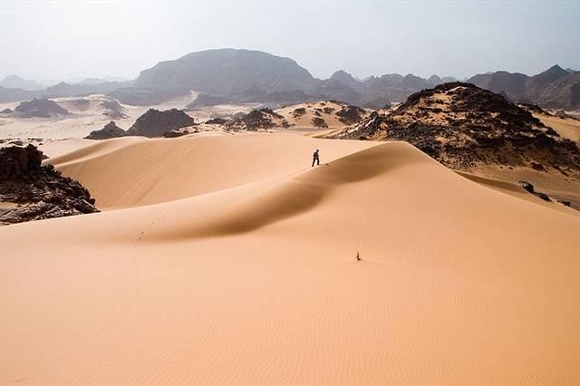 El desierto del Sáhara es el más cálido del mundo y el tercero más grande después de la Antártida y el Ártico.