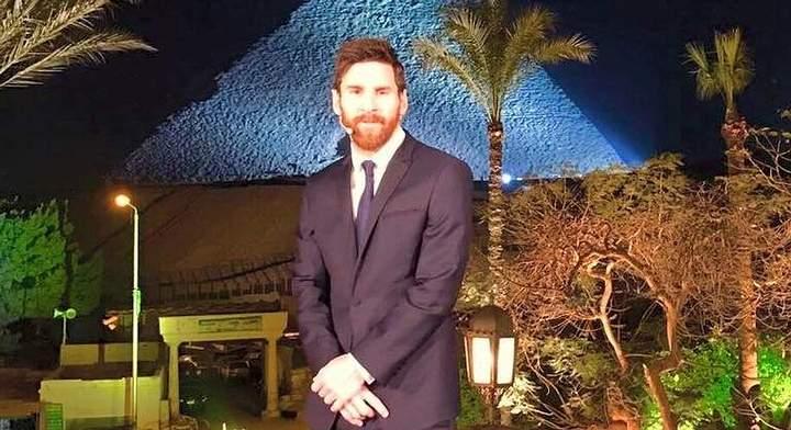 ¿Será que Messi no mostró interés porque sabe que la historia oficial que repite Hawass se equivoca sobre las pirámides de Guiza?