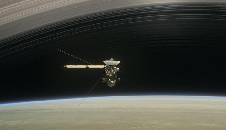 cassini-ring-crossing