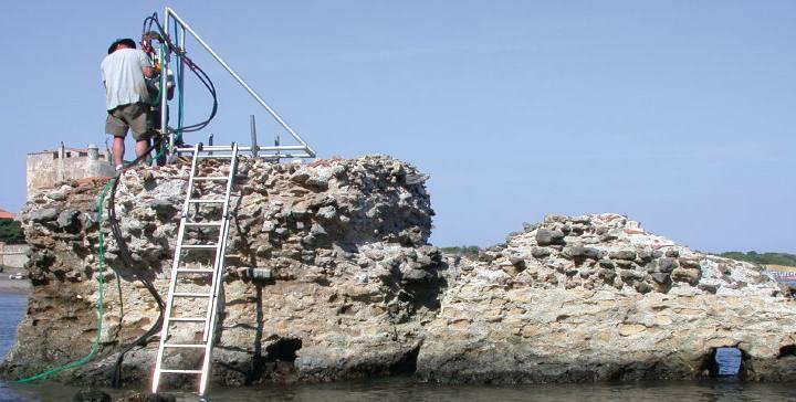 En el estudio se analizaron con rayos X muestras tomadas en el Puerto Cosanus de Orbetello, un antiguo puerto romano.