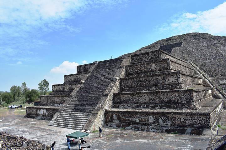 piramide-de-la-luna