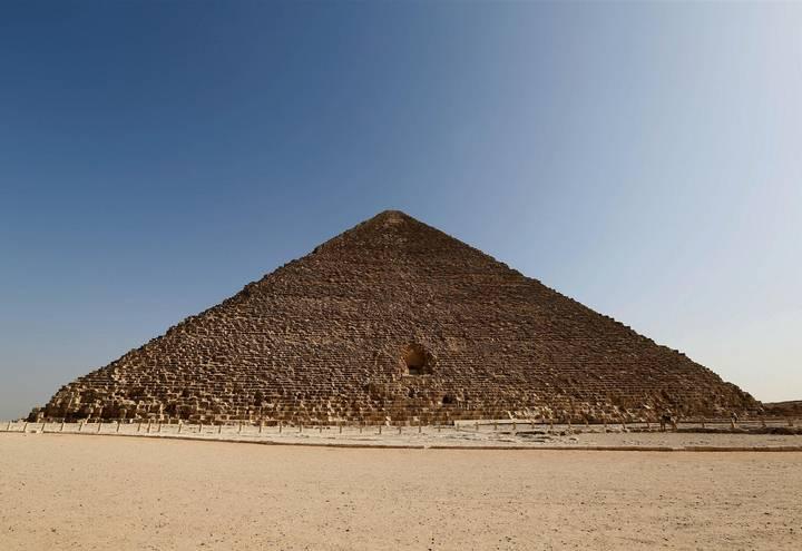 Cara norte de la Gran Pirámide.