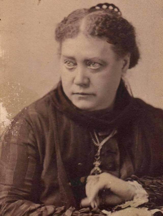 Muchas de estas doctrinas fueron resumidas por Helena Blavatsky (foto) y sus colegas de teosofía.