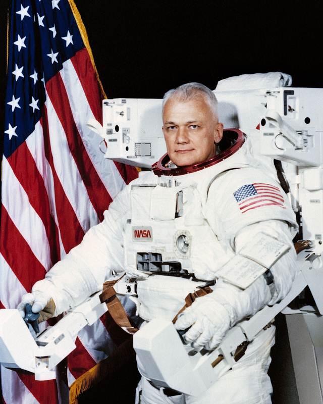Astronauta Bruce McCandless II.