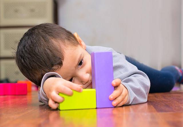 Los niños con autismo tienen hasta 10 veces más aluminio en el cerebro que un adulto saludable.