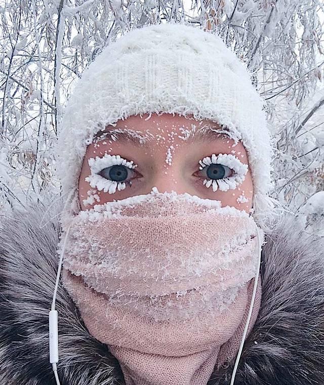 La usuaria de Instagram @gremsey subió esta imágen de la ciudad de Yakutsk (capital de Yakutia) con las pestañas congeladas por el frío.
