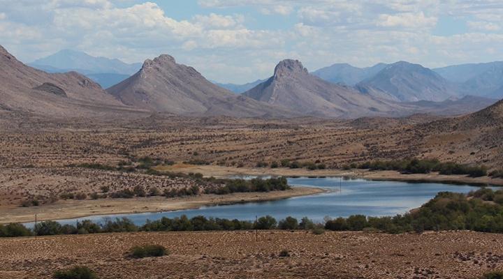La región de Karoo en Sudáfrica donde fueron hallados los afloramientos con las madrigueras fósiles. Crédito: David Hodgson.