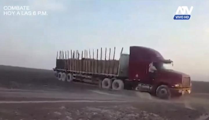 El camión de carga que dejó sus huellas en el terreno. Captura de video (más abajo).