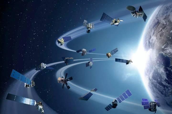 La roca espacial estuvo cerca de colisionar con alguno de los satélites en órbita.