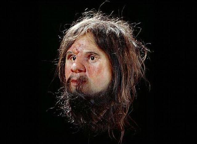 Una reconstrucción previa hecha por la Universidad de Manchester, antes que los análisis de ADN fueran practicados, mostraban al Hombre de Cheddar con piel blanca.