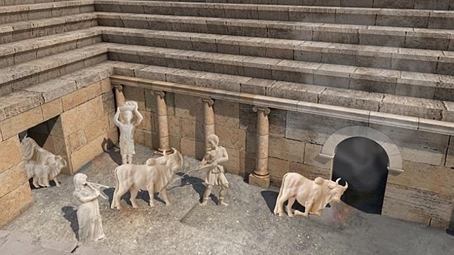 Durante los ritos, los sacerdotes sacrificaban toros a Plutón. La ceremonia consistía en llevar los animales dentro de una cueva y retirarlos muertos.