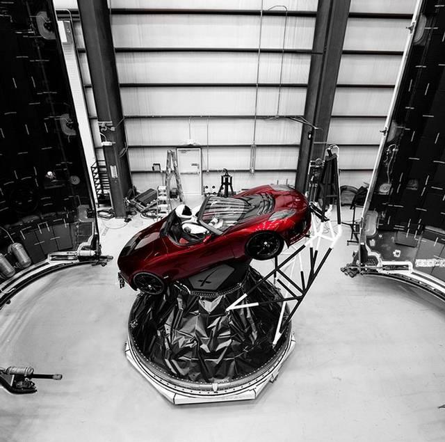 Resultado de imagen para El cohete más potente del mundo, listo para despegar rumbo al espacio auto